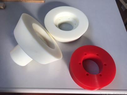 Rullo biconico diviso in 3 parti in PA6G naturale e poliuretano P100
